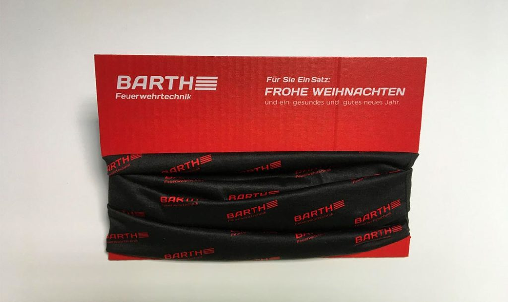 Mulifunktionsschal mit Kartonverpackung als Weihnachtsgeschenk für Barth Feuerwehrtechnik in Fellbach