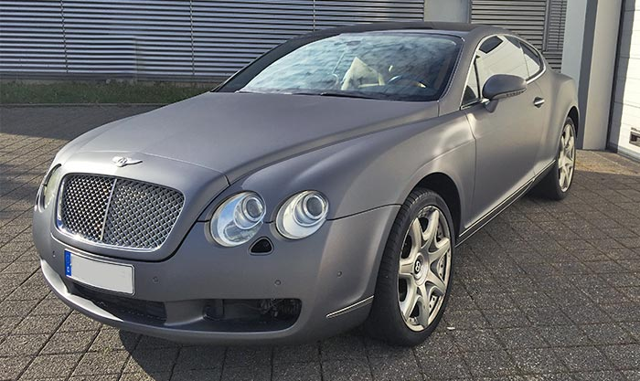 Bentley Folierung Charcoal Avery matte Oberfläche