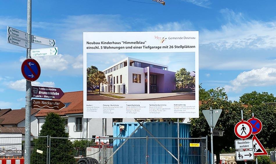 Bauschild mit Unterkonstruktion zum Mieten