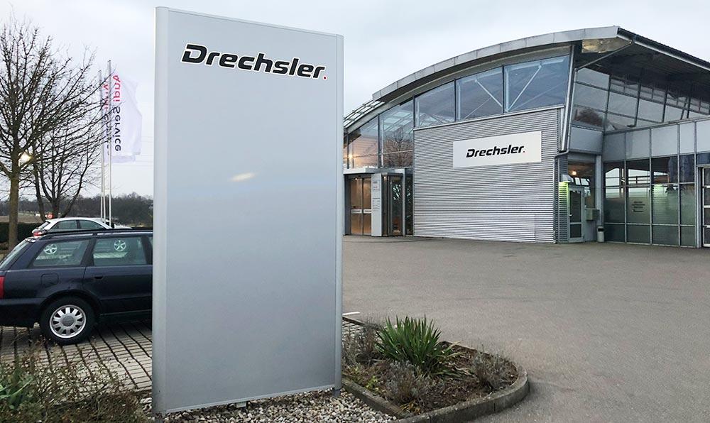 Autohaus Drechsler Nellingen Pylonen Leuchtreklame und Liftup Anlage
