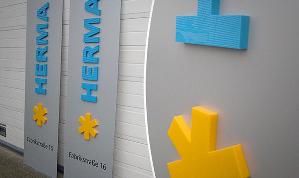 3D-Buchstaben aus Plexiglas