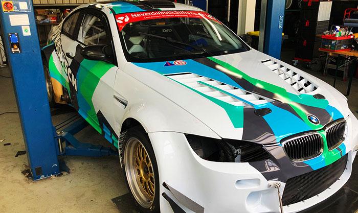 Bmw Racingcar für Kaatsch Schrott- und Metallhandel Plochingen