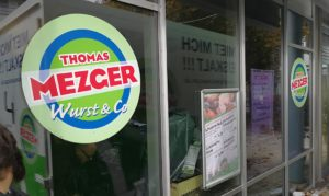 Fensteraufkleber für Mezger Metzger Schauffenster Esslingen Beschriftungen