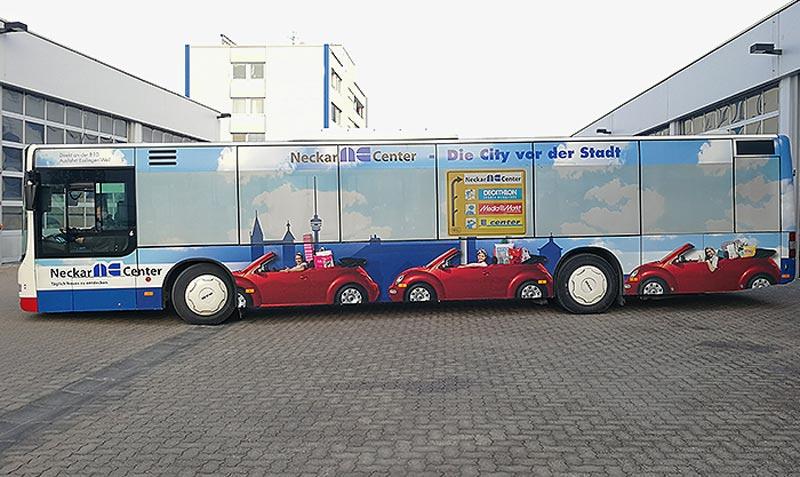 NeckarCenter Busbeschriftung vollfälchig über die Scheiben
