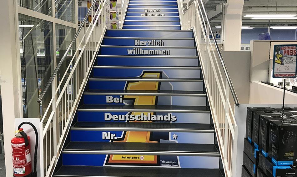 Treppenbeschriftung als Werbefläche TechnoLand Deizisau