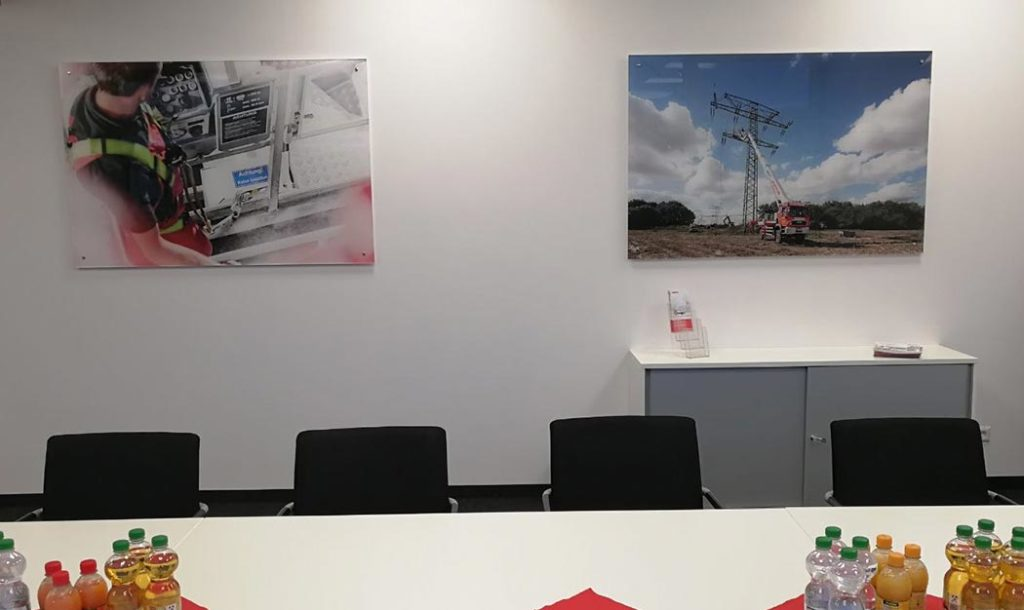 Plexiglasschild rückseitig bedruckt Barth Feuerwehrtechnk Fellbach