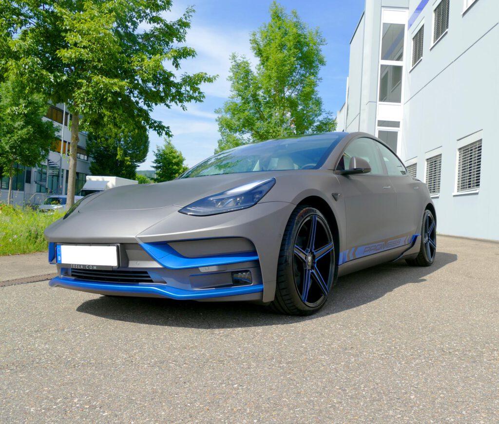 Tesla Carwrapping Vollfolierung